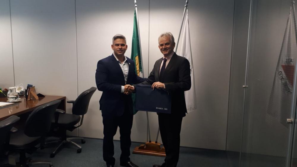 Rogério Siqueira da ABES-MG visita Secretário Germano Vieira da SEMAD