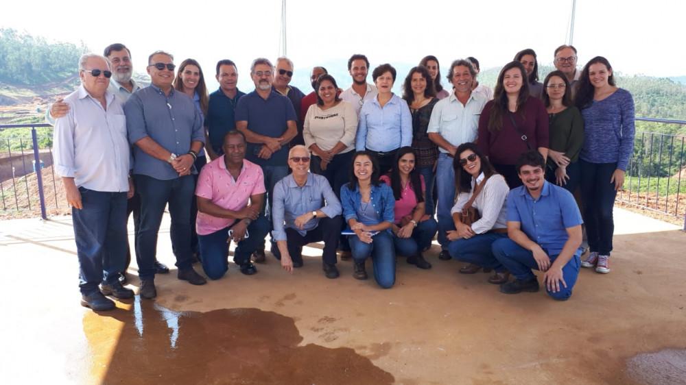 Representantes da ABES visitam Bento Rodrigues