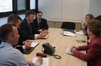 Feam e Embaixada Britânica firmam parceria