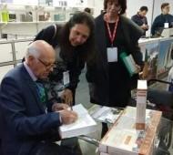 Sibesa 2018: lançado livro sobre saneamento, saúde e ambiente