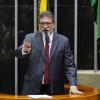 Tarifa e universalização do saneamento são foco de debates em Plenário