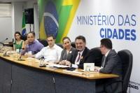 Especialistas discutem regulação do saneamento no Brasil