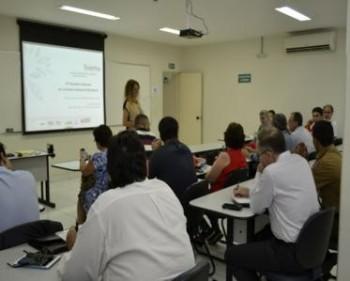 ABES-MG sedia reunião da CEP2R2
